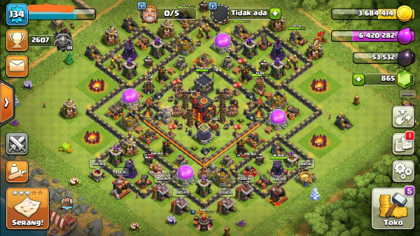 Town Hall 10. Wall Troops GG.