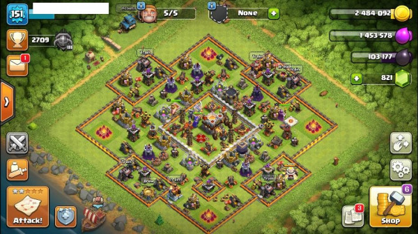 TH11 Maxed Level 151 King 31 Queen 44 Warden 5 Gem
